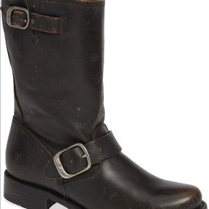 "FRYE ""Veronica"" Short Boot 